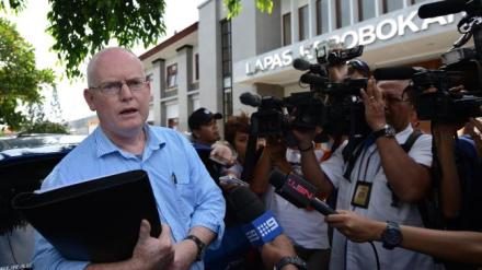 Julian Mcmahon speaks to journalists during a visit to Kerobokan prison earlier this year. Picture: Nashyo Hansel. Credit: Herald Sun